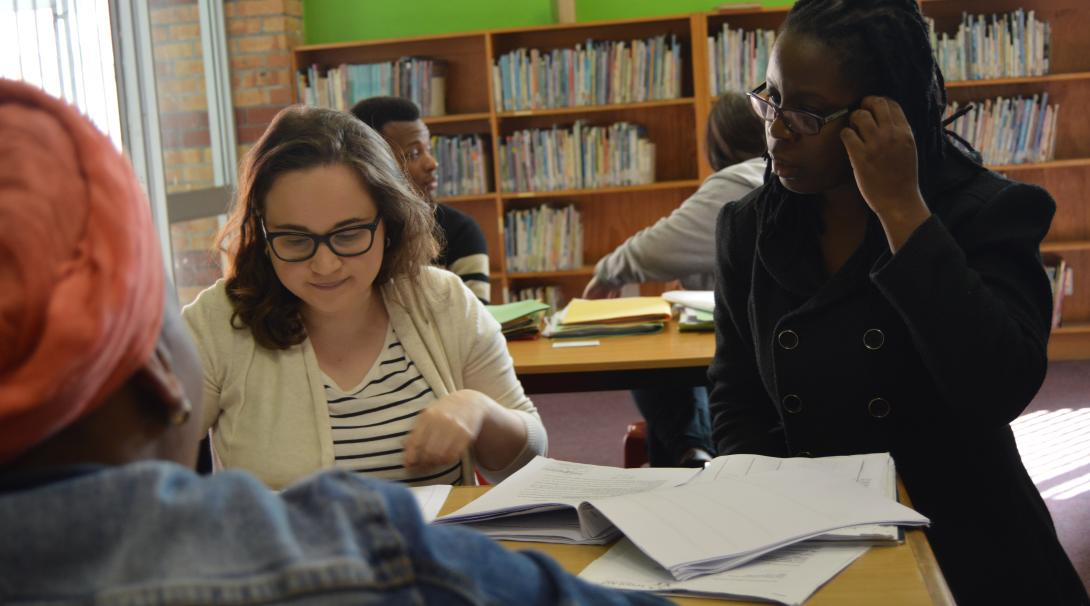 An intern abroad participates in a legal clinic with the help of a lawyer in Cape Town, South Africa.